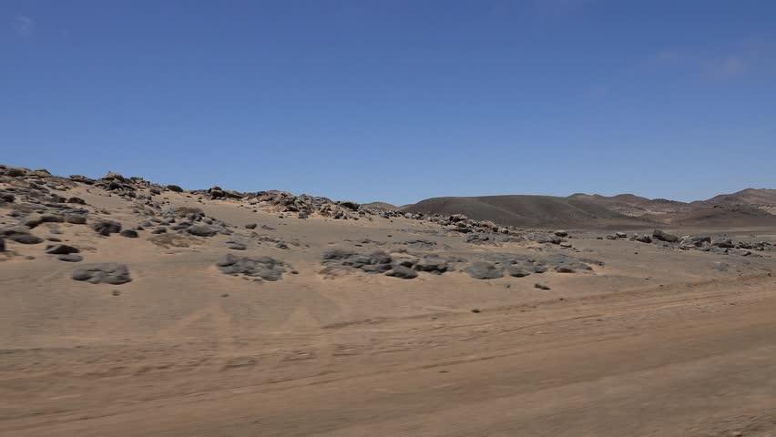 Driving through the Namibian Dessert (at the Skeleton Coast)