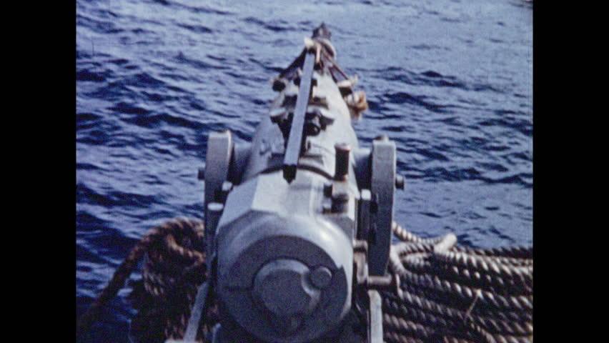 BOATS SHIPS WALRUS HUNTING SHOOTING WITH HARPOON GUN