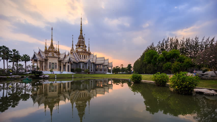 4k Day to Night Time-lapse of Wat None Kum temple in Nakhon Ratchasima province, Thailand