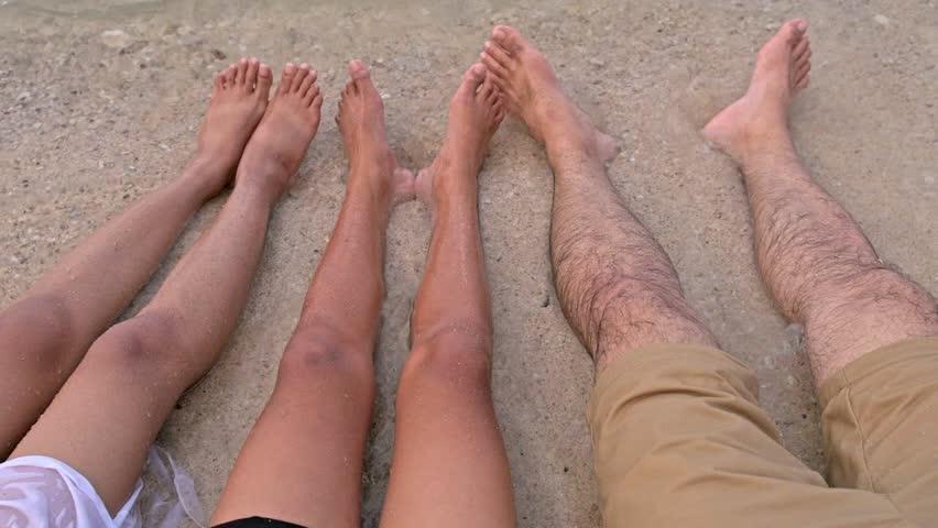 На пляже небритые ноги фото, русские студенты в порно роликах