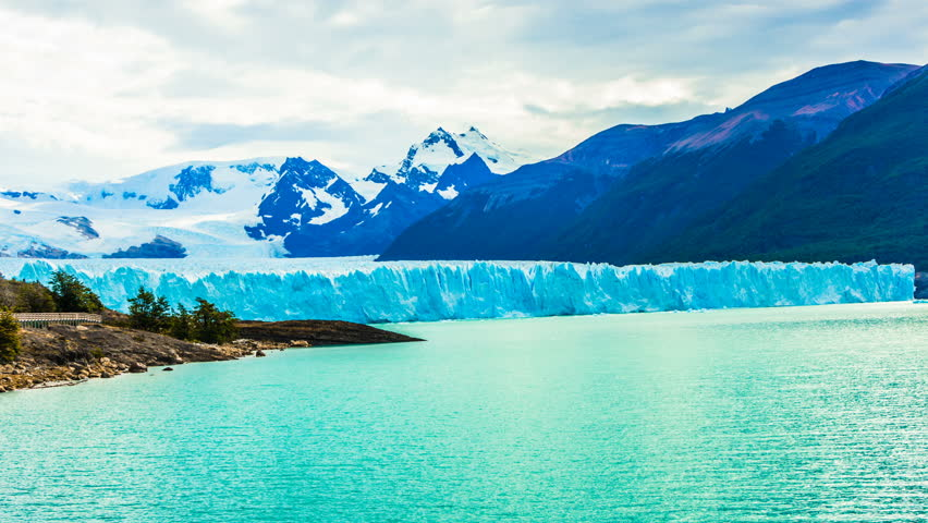 A large piece of ice comes off the glacier Perito Moreno in Argentina
