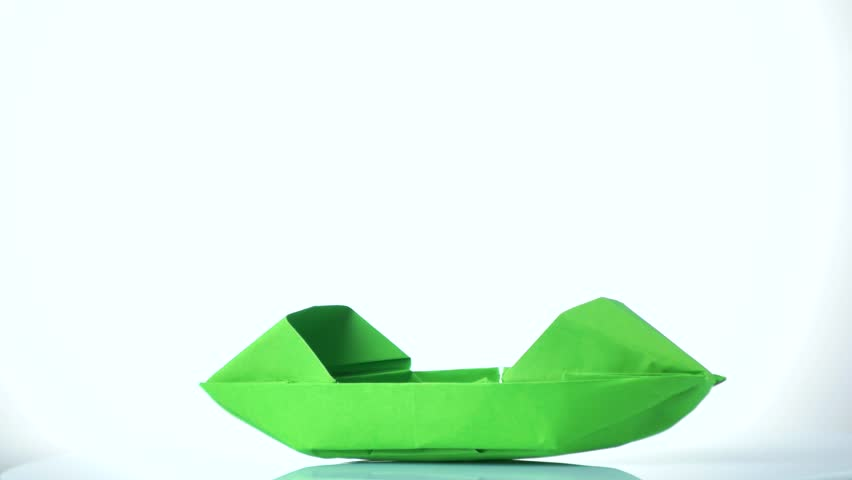 4k00 13green Paper Boat On White Background Origami Paper Boat