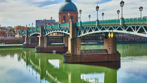 Bridge Saint-Pierre of Toulouse, France passes over Garonne and connects place Saint-Pierre to hospice of Grave. It is deck with steel deck, completely rebuilt in 1987.