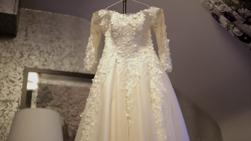 Wedding Dress Close up Video de stock (totalmente libre de regalías)  1011529538  e838525c5