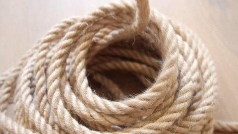 Unwinding the rope (hemp)
