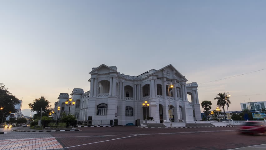 Timelapse : Ipoh Townhall,Malaysia during sunrise