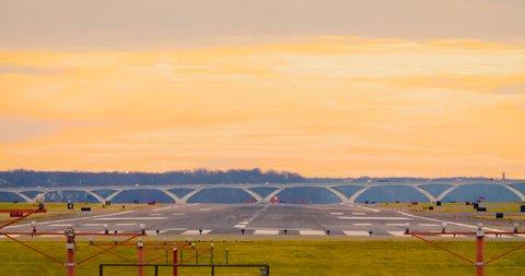 Airplane Landing at Reagan National Airport