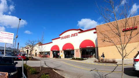 Brentwood, MO/USA 03-30-2019: Trader Joe's in Brentwood Video Clip of Storefront