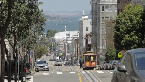 Cable car going downhill on Powell Street in San Francisco, California, USA, North America