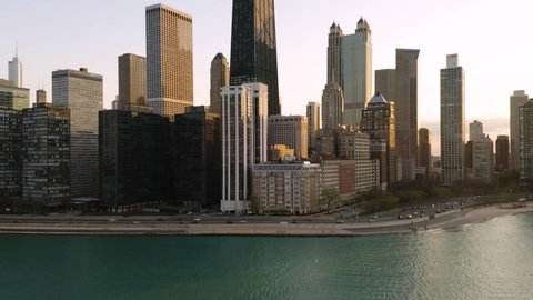 Beautiful Aerial Speed Ramp Hyperlapse along Chicago's famous Lakeshore Drive [4K]