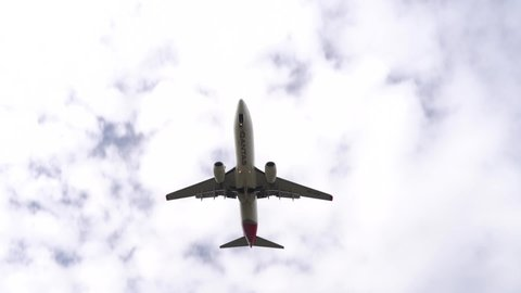 Melbourne, Australia; 2019: Qantas plane from below