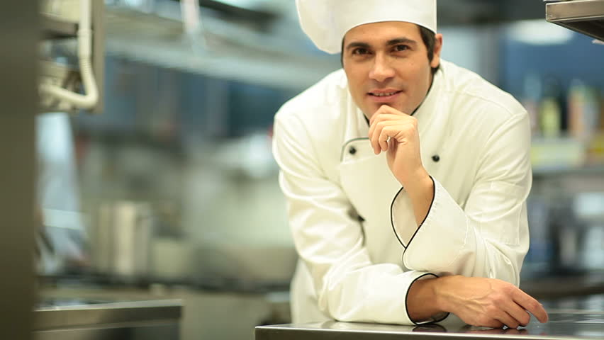 Portrait of a young chef; HD: Photo JPEG
