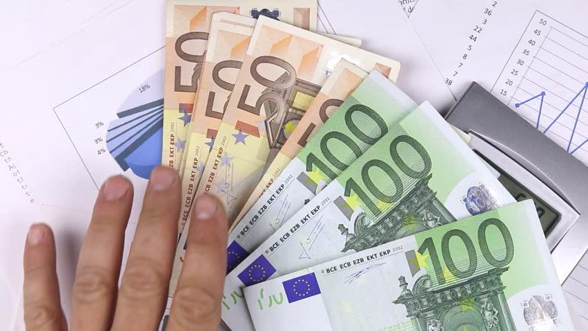 хранение валюты в банке под проценты этом возникает совместимость
