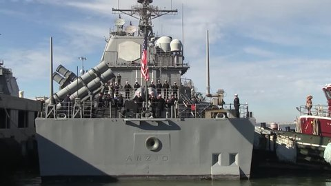 USA Virgina Norfolk, November 2015, Back Of USS Anzio Soldiers Solve Rope