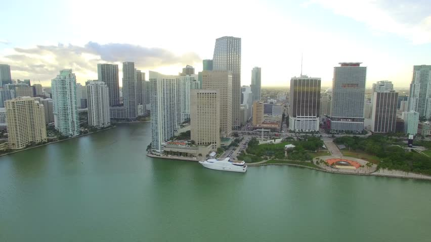MIAMI - JANUARY 7: Stock video of the Intercontinental Hotel located on Biscayne Boulevard at Downtown Miami January 7, 2016 in Miami FL, USA | Shutterstock HD Video #13739636