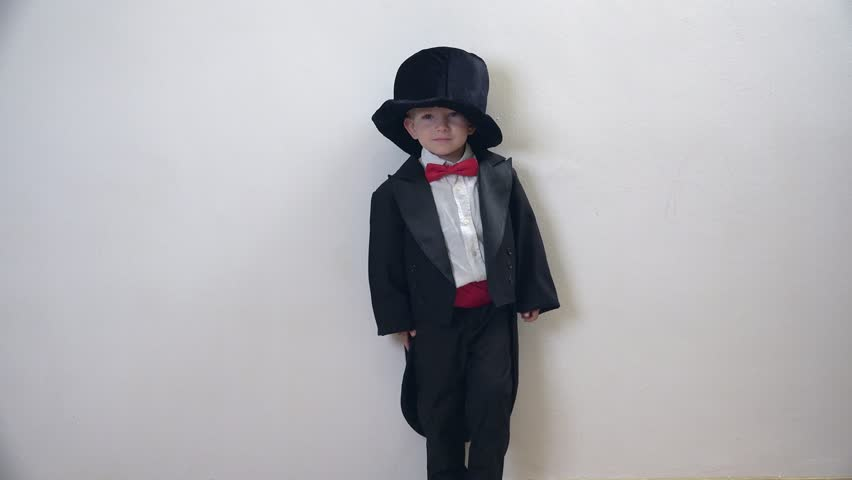 Man dressed in black ghost