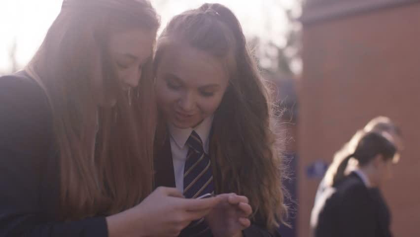 sunpornextreme-kissing-teen-girl-videos