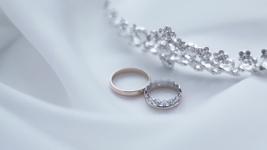 Wedding rings and diadem