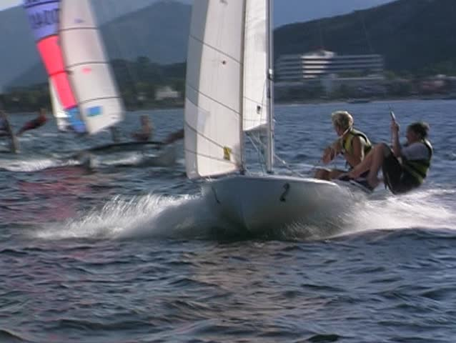 Sailing dinghy 2