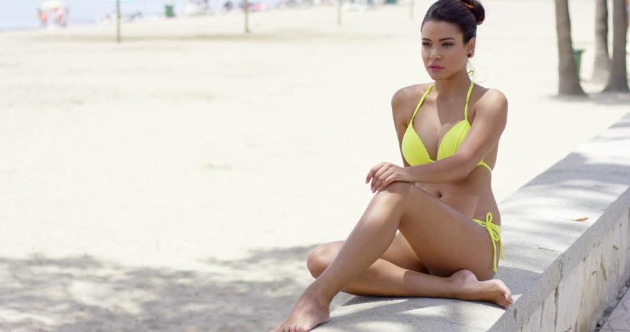 Sexy beach women clip free — img 8