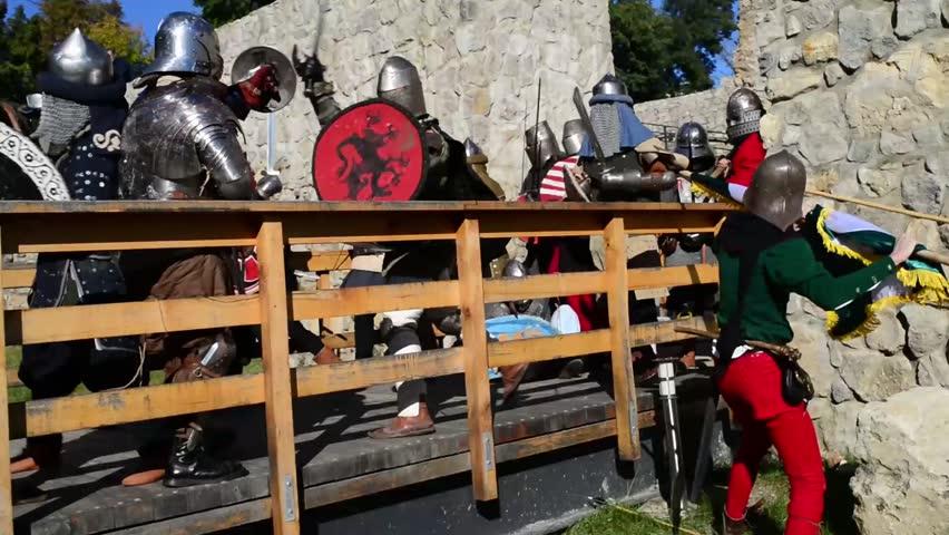 Header of siege