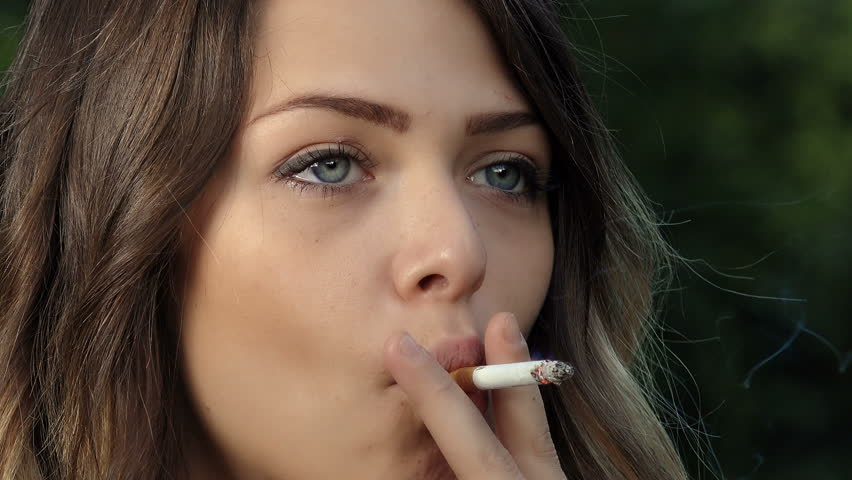 smoking women Pictures beautiful of