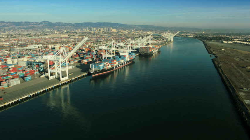Aerial view of container ships and lifting cranes, Port of Oakland, San Francisco, California, North America, USA