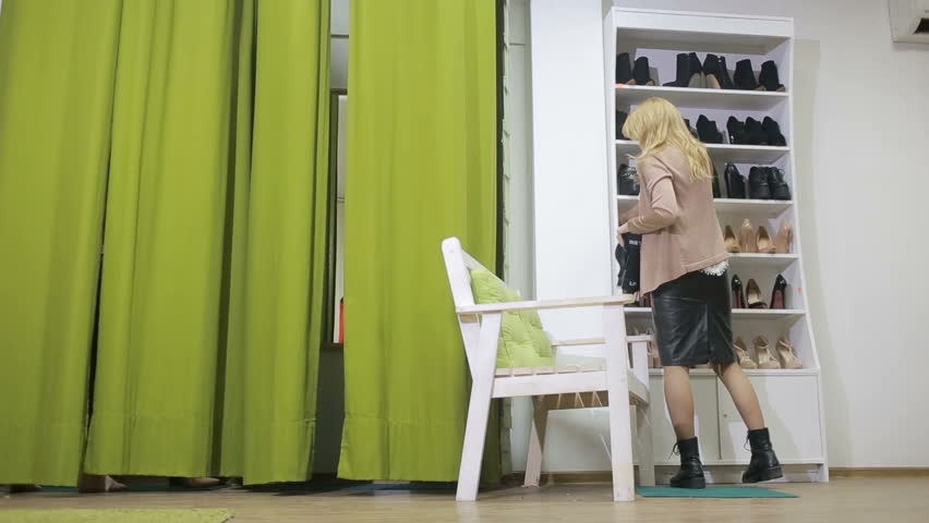 fucking slutty woman in the dressing room of the shop  272354