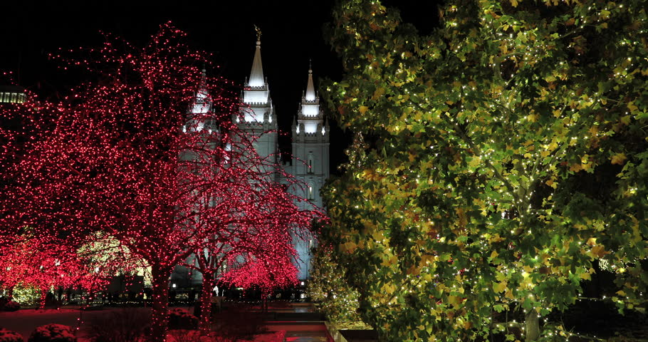 SALT LAKE CITY, UTAH - DEC 2016: LDS Temple Square Christmas ...