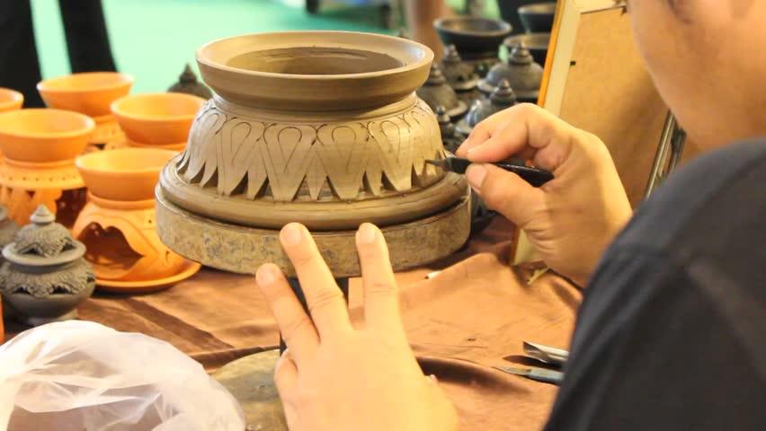 Header of earthenware