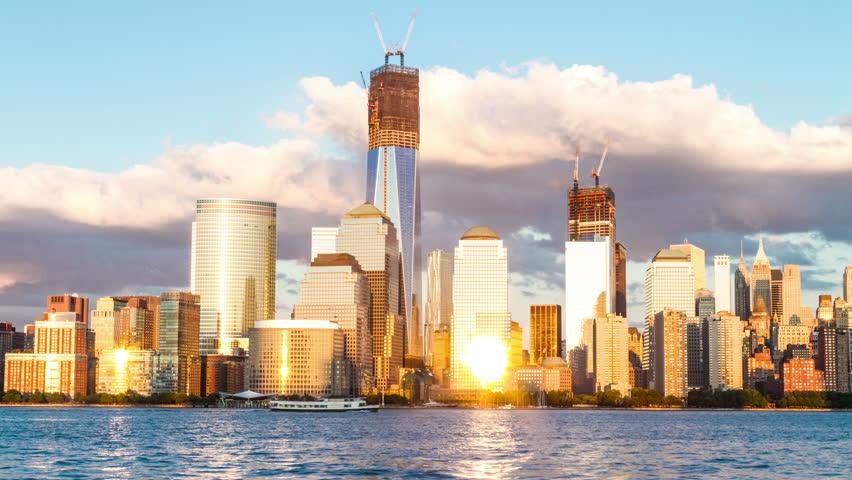 Freedom Tower in Manhattan Skyline