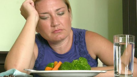 Woman trying to do diet