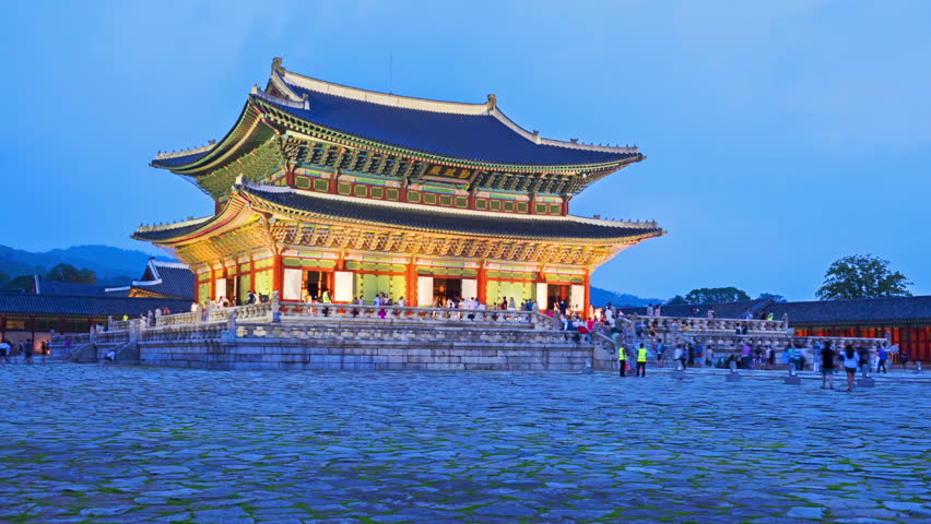 Hyper lapse of tourists swarming through Gyeongbokgung Palace in Seoul City,South Korea
