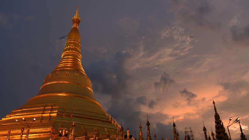 YANGON, MYANMAR - OCTOBER 24: Time lapse of Shwedagon Pagoda Yangon on October 24, 2012 in Yangon, Myanmar #2949928