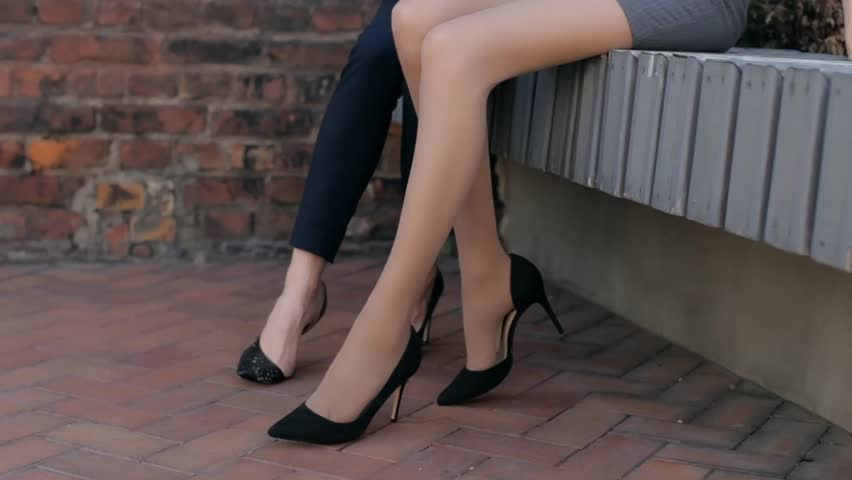 Legs stockings strip clips