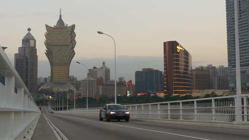 evening macau cityscape traffic street bridge famous hotel walking panorama 4k china