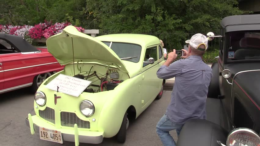 Examining A 1947 Crosley Mini Car At The Tinley Park Clic Show In Illinois Aug 29 2017 2 Clips With Audio