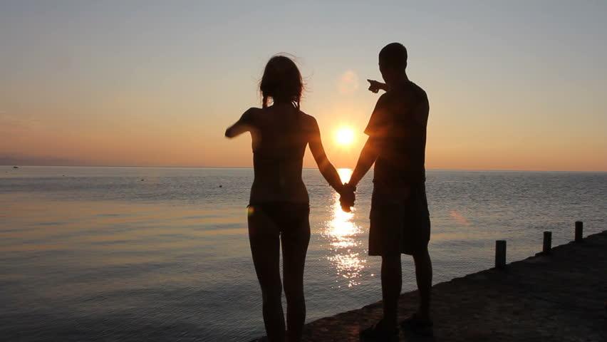 Русские занимаются любовью на берегу моря видео фото 437-331