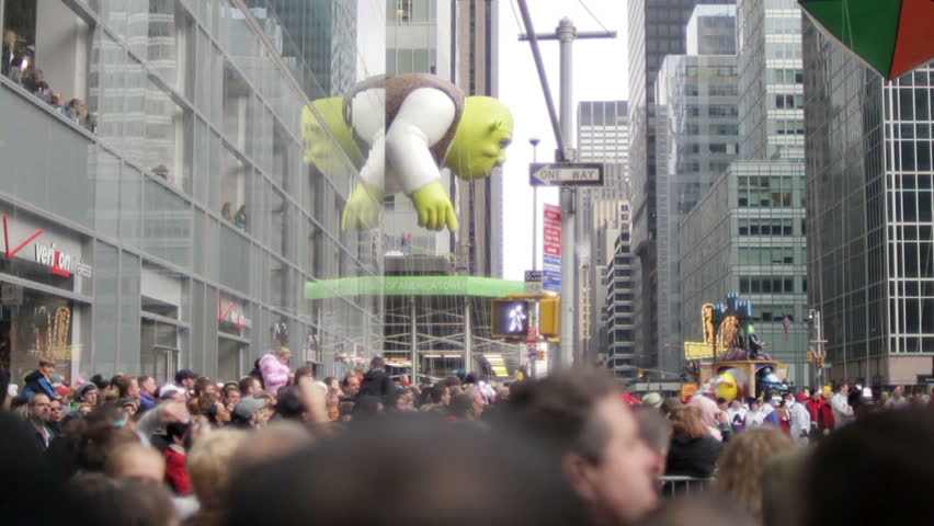 NEW YORK - NOV 26: Macy's Thanksgiving Day Parade with Shrek balloon on November 26, 2009 in New York, NY.