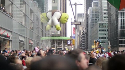 NEW YORK - NOV 26: Macy's Thanksgiving Day Parade with Shrek balloon on November 26, 2009 in New York, NY.