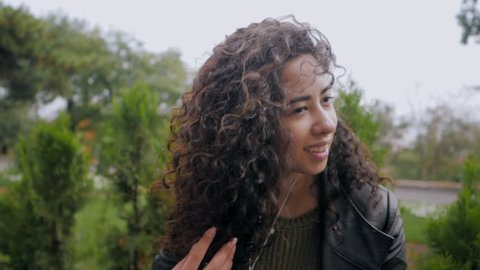 Excited Cute Hispanic Curly Haired Video De Stock Totalmente Libre