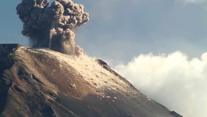 Tungurahua Volcano erupting, March 2013, Ecuador