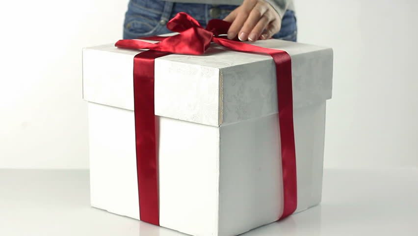 Packing gift boxes