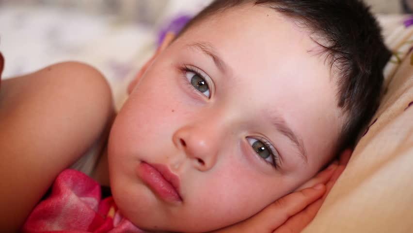 Little Boy Falls Asleep in Stock Footage Video (100% Royalty-free) 4464938  | Shutterstock