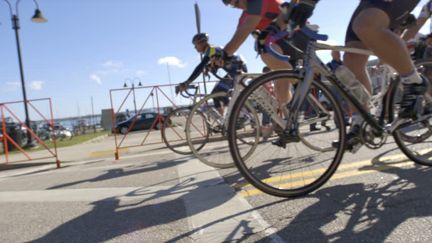 Header of road race