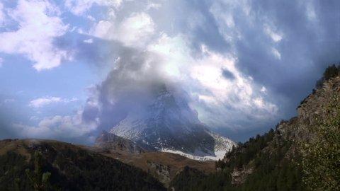 Matterhorn Timelaps Clouds