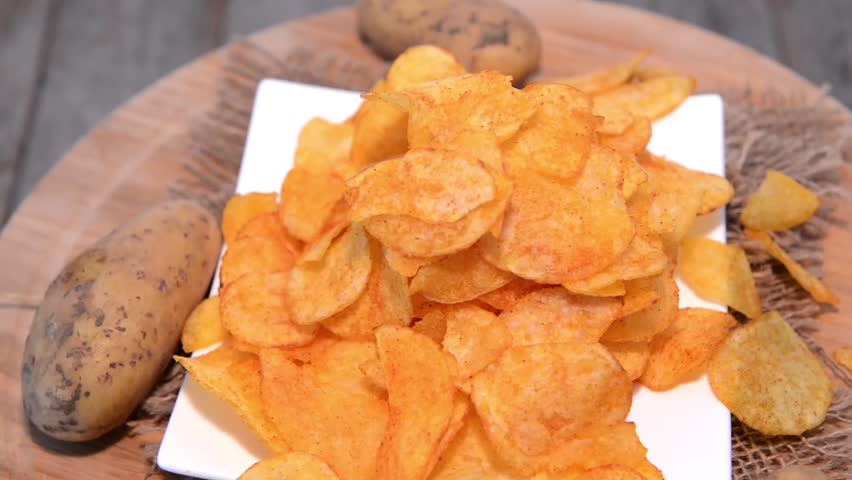 temperature and potato chips Email my homemade potato chips  these also seemed better tating when they were cooled to room temperature this is a great fact so you could make them earlier than the main or side.