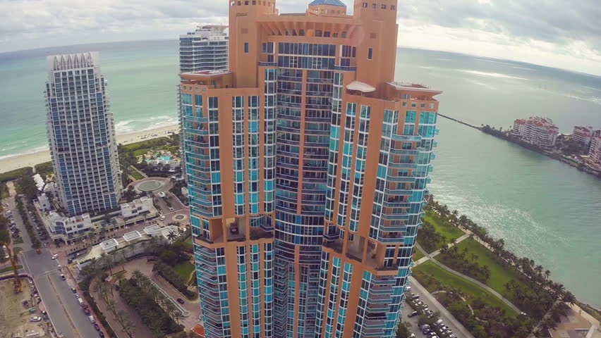 Modern Miami Beach highrise