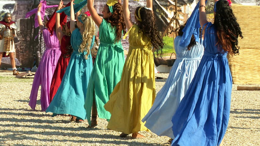 ROME - APRIL 21: Roman dancers during Birth of Rome celebration on 21 April 2014, Rome (Italy)