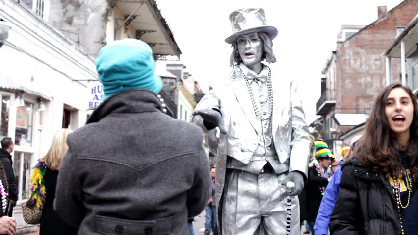 NEW ORLEANS, LA - FEBRUARY 12: Silver Man posing on Bourbon street during Mardi Gras on Saturday Feruary 12, 2010 in New Orleans, Louisiana.